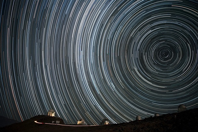 The starry spin-up above Chile. Image via ESO/A.Santerne