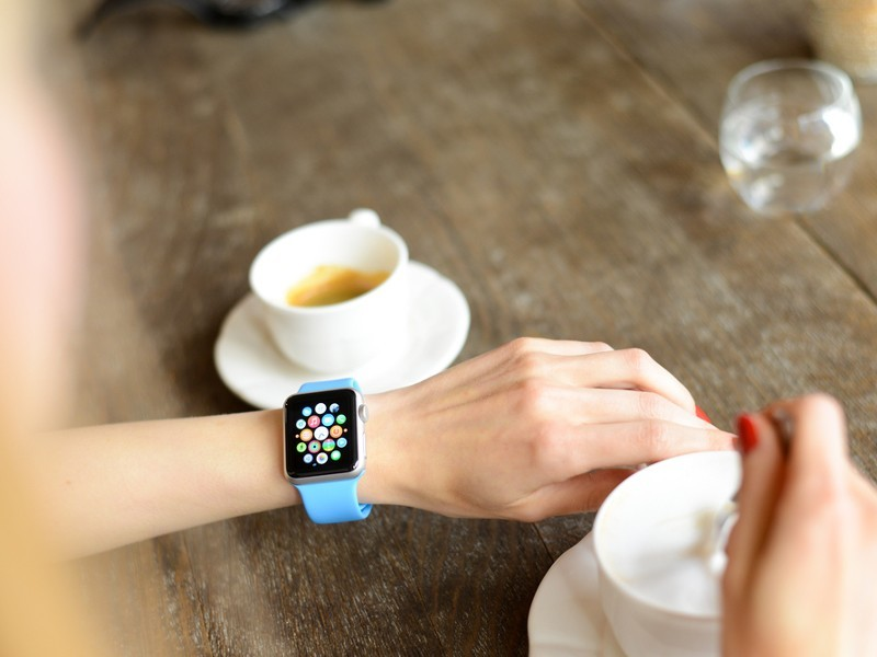 Apple sprints into second place in wearables as smart watches catch on