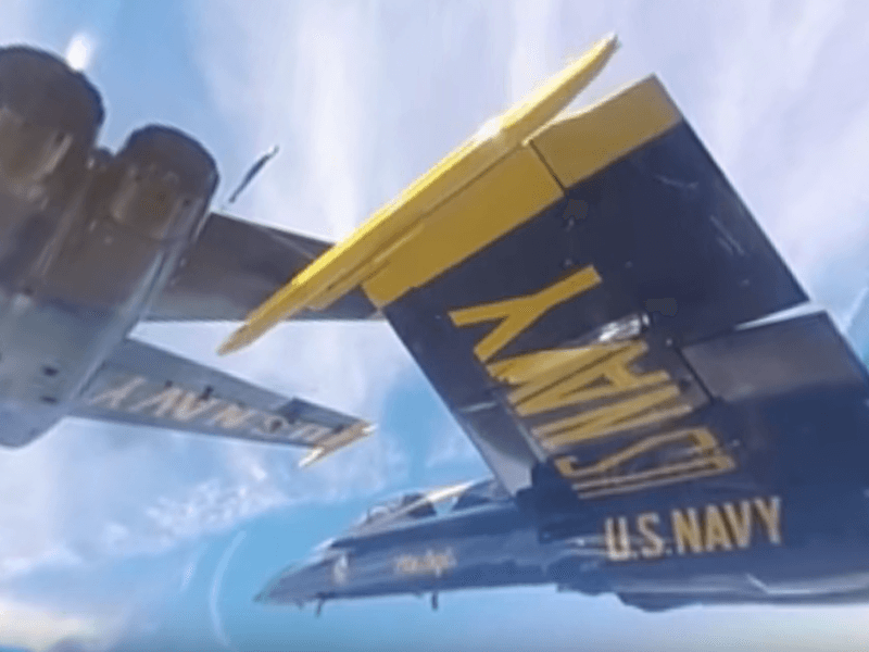Amazing 360-degree view of US Navy Blue Angels jets flying in formation (video)