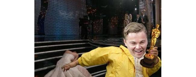 Oscar: Jennifer Lawrence trips, Leo steals award