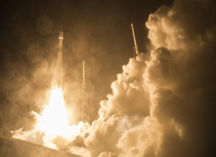 Rocket take-off Atlas V