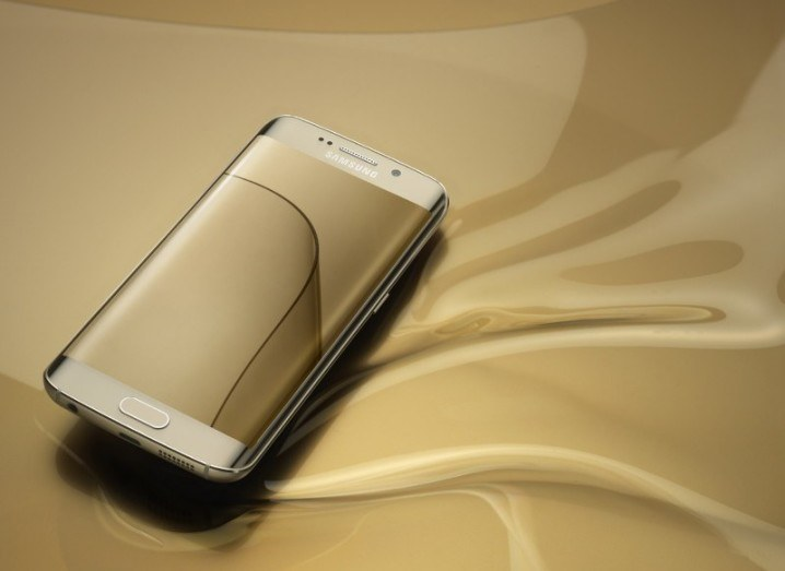 Samsung Electronics' 4Q earnings sink 40 percent