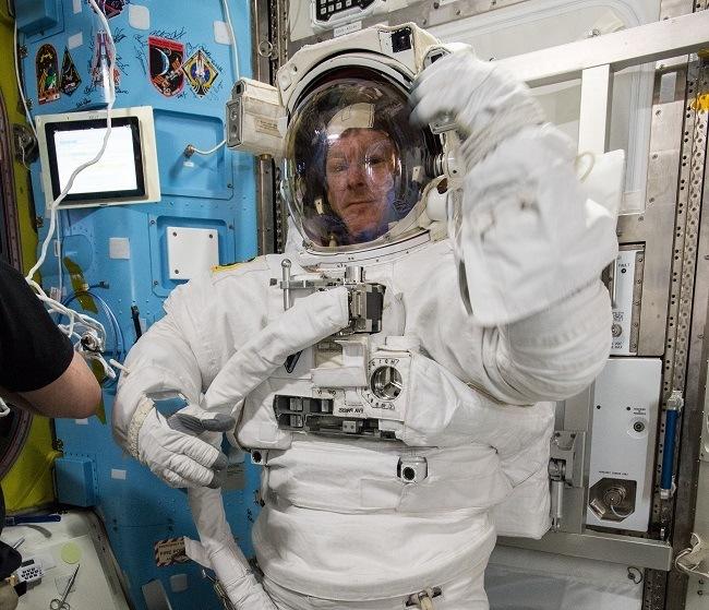 Tim-Peake-spacesuit