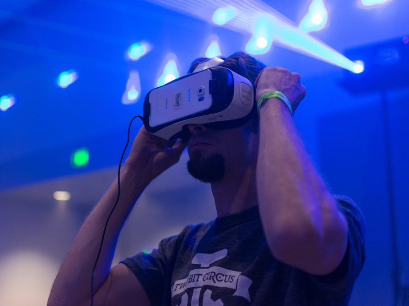 Only 1pc of world's PCs will be capable of handling VR in 2016