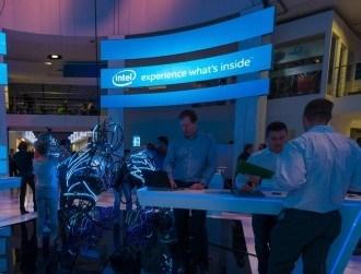 Intel's profits rise, but chip maker faces data centre woes