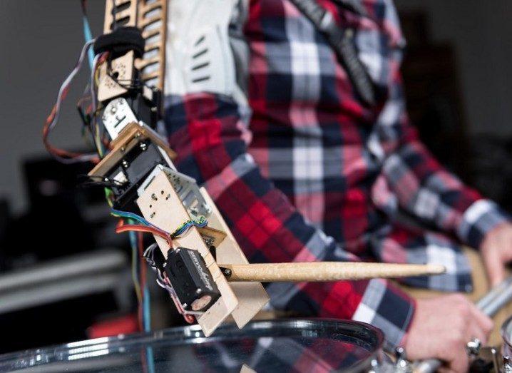 Robot arm drummer