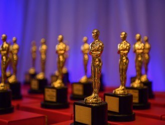 AMBER creates nano statuette to celebrate Oscars 2016