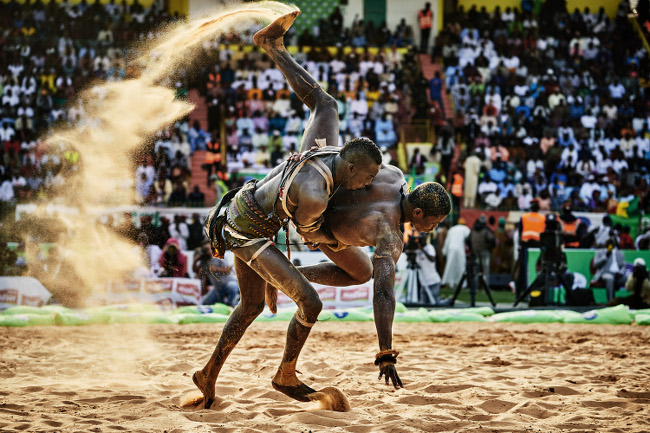 © Christian Bobst - The Gris-gris Wrestlers of Senegal 03