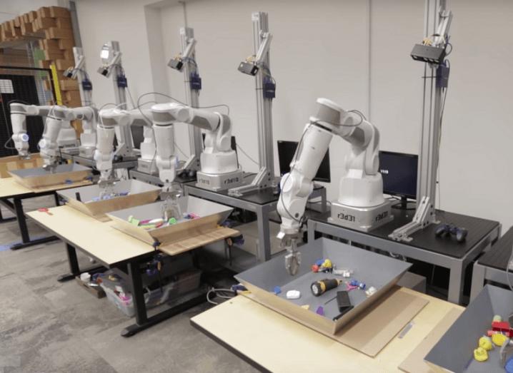 Dextrous robots Google AI