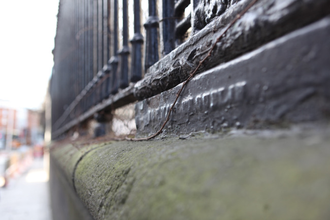 The R&J Mallet railings outside Trinity College, via Luke Maxwell Free tour of Dublin