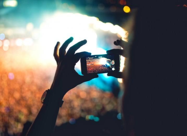 smartphone-video-shutterstock
