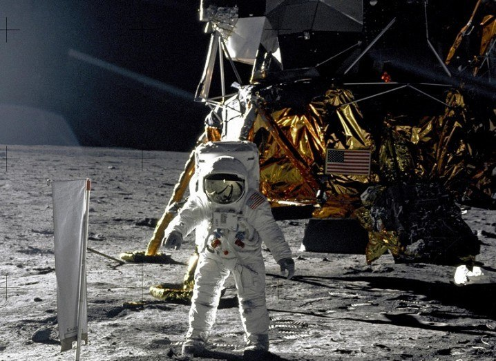 Moon landing in real-time