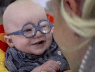 6 beautiful moments when blind people see for the first time (video)