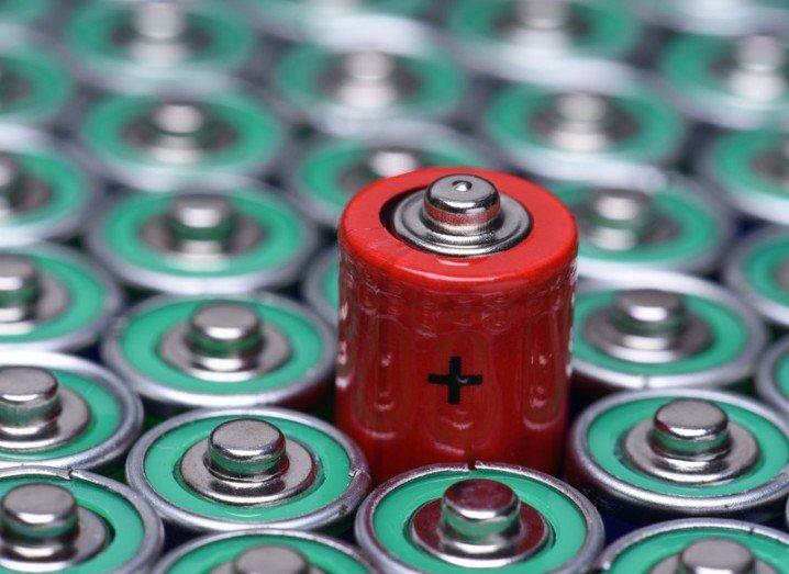 Battery gold nanowire