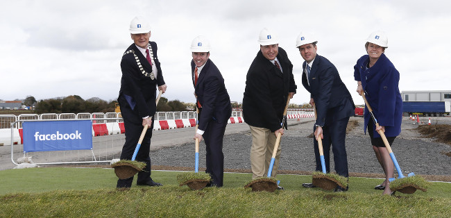 Obligatory ground-breaking image of Brian Fitzgerald, chairperson of Meath County Council, Minister Damien English, Facebook's Tom Furlong, IDA's Martin Shanahan and Jackie Maguire, CEO of Meath County Council – via Conor McCabe Photography