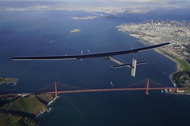 Solar Impulse 2 Golden Gate Bridge