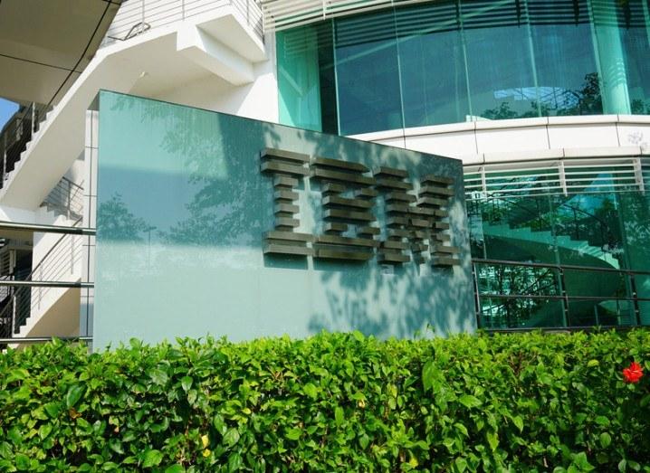 IBM Q1 2016