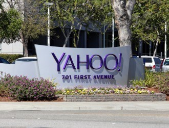 Yahoo's bankers warns bidders of revenue decline in 2016