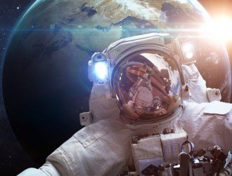 Life imitates art as ISS survives 'Gravity' moment
