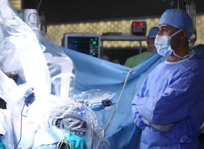 Robot soft tissue surgery