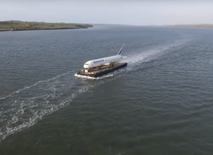 glamping-jet-shannon-ireland-barge