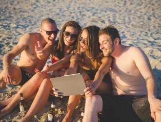 I know what you did last summer: Facebook reveals summer 2015 stats (infographic)