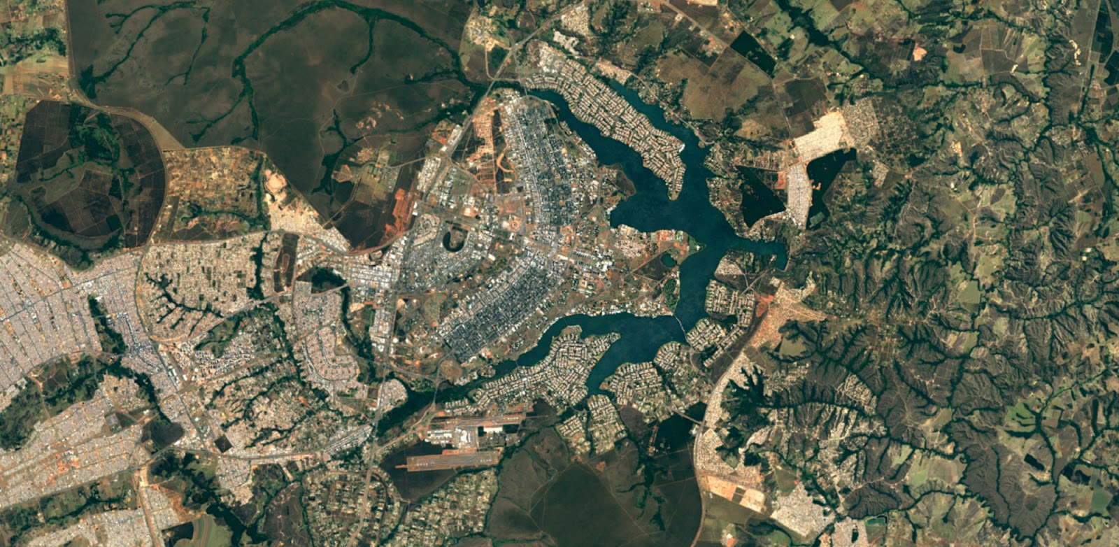 The city of Brasilia, in Brazil after Google Earth upgrape