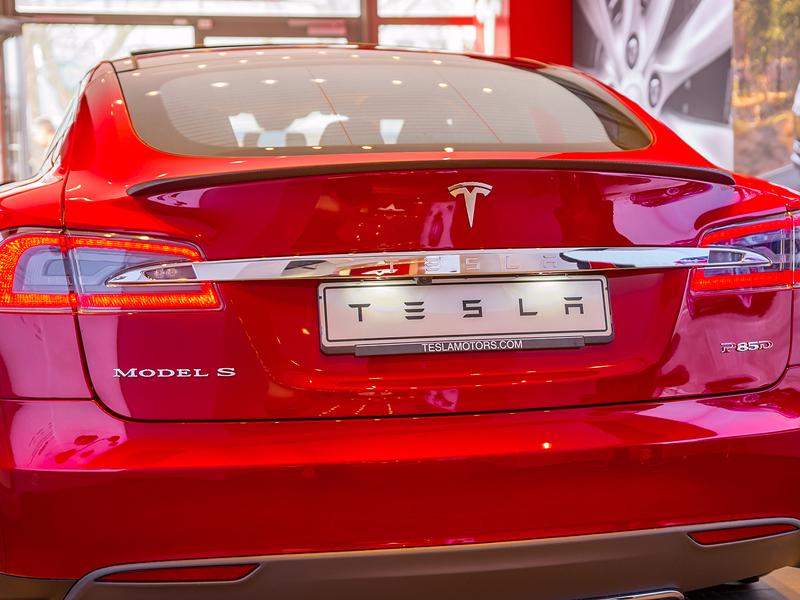 Elon Musk's Tesla to buy solar panel maker SolarCity for $2.8bn