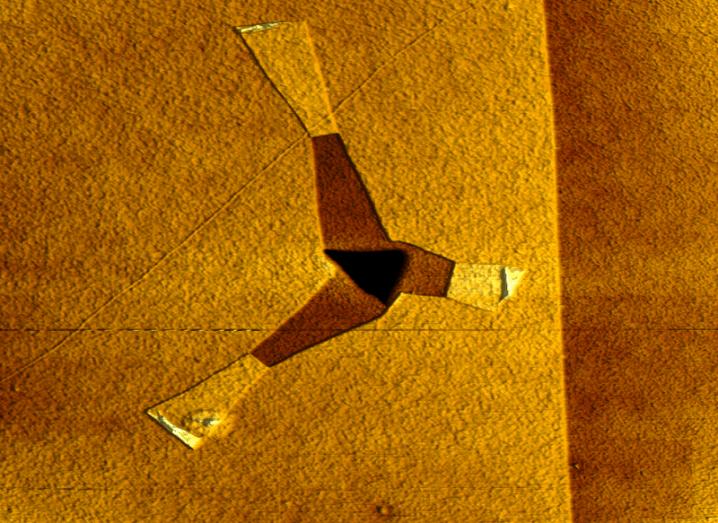 Graphene assembling