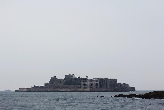 Hashima_island