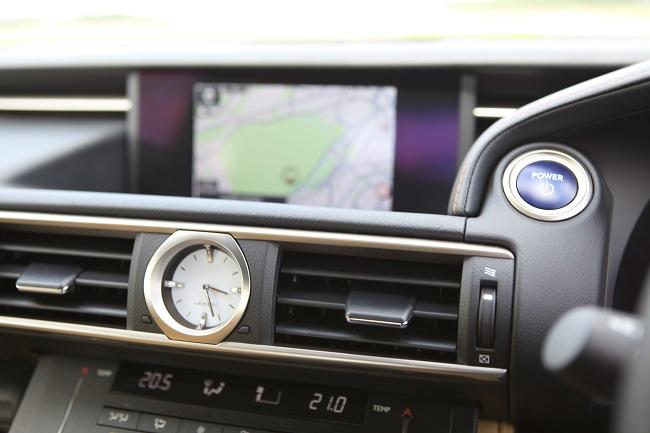 Lexus clock