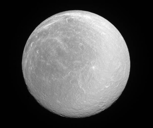 Saturn's moon Rhea. Image via NASA/JPL-Caltech/Space Science Institute