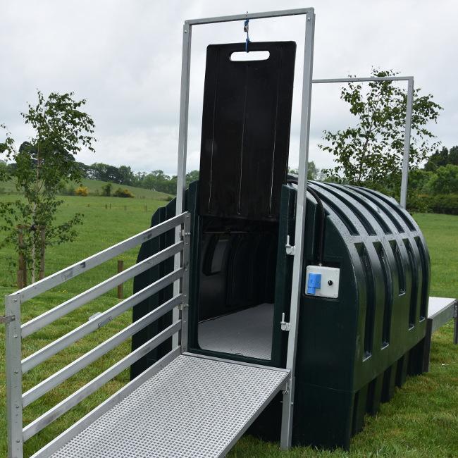 dipfast-tank-outdoors