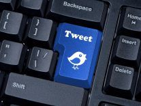 Twitter now enables longer tweets: go the full 140 characters