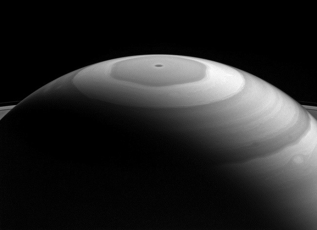 Saturn northern pole