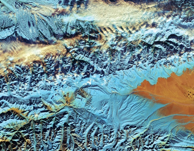 China's Tian Shan mountains. Image: Contains modified Copernicus Sentinel data (2016), processed by ESA