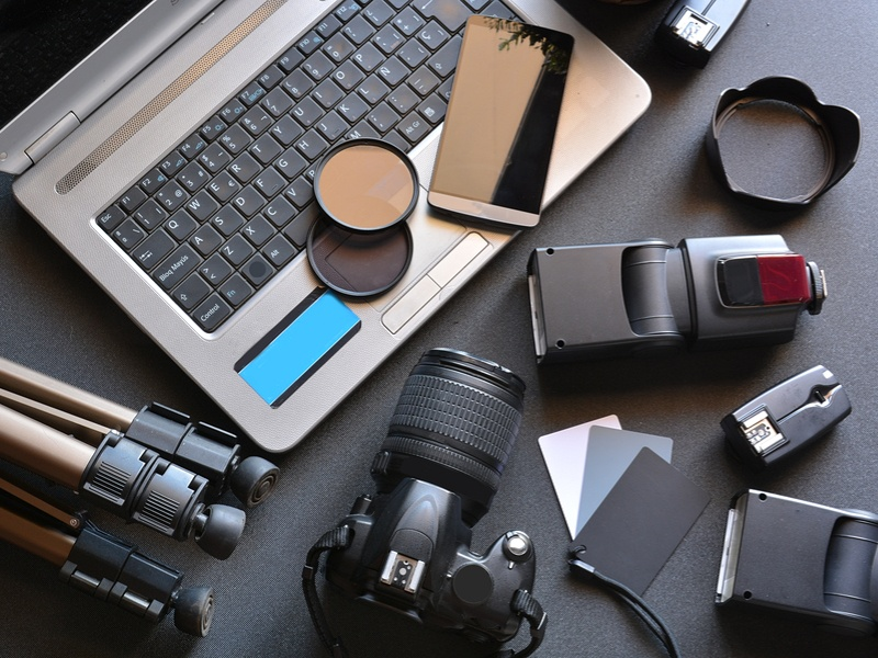 5 gifts for photographers to make them happy snappers