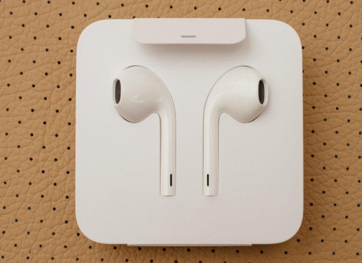 iOS 10.3 AirPods