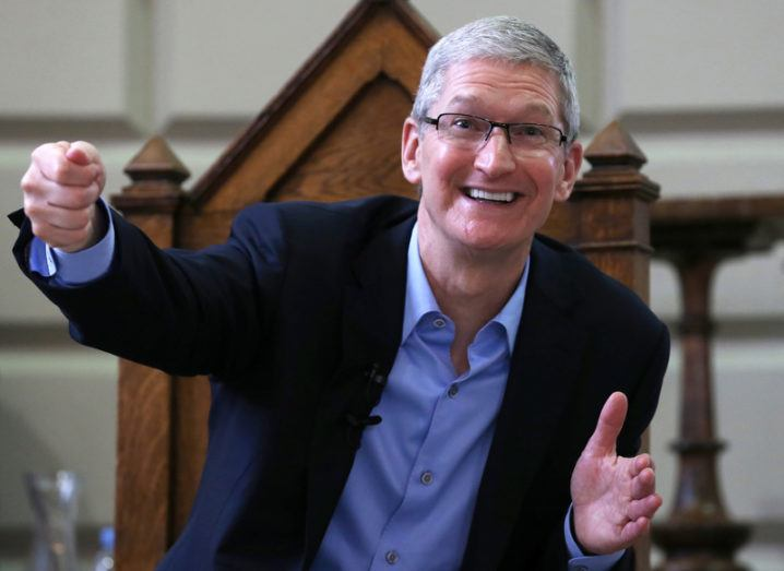 Apple Tim Cook AR