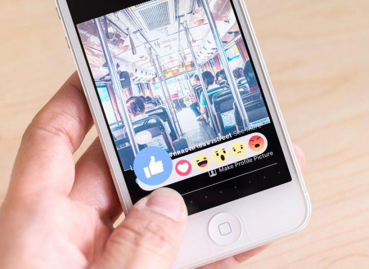 Autoplay video Facebook