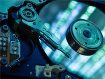 Molecular magnet breakthrough could lead to 1m GB hard drives