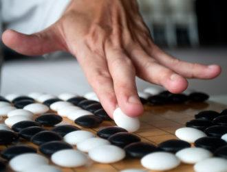 AlphaGo heads to China to challenge best humans yet again