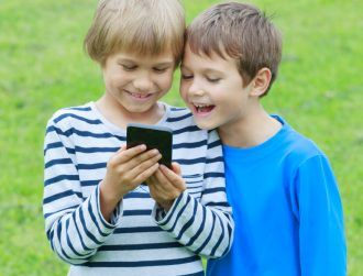 Proposed ban on 'unrestricted' smartphones for kids discussed