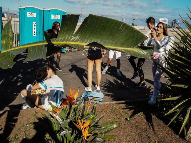 'Choral.' Santa Cruz de Tenerife. Image: Hakim Boulouiz. Street Single Image Winner, Magnum and LensCulture Photography Awards 2017.