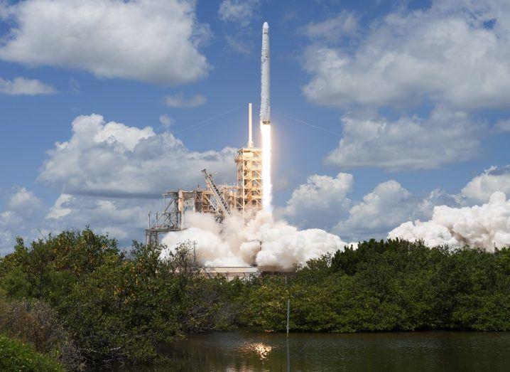 CRS 12 liftoff
