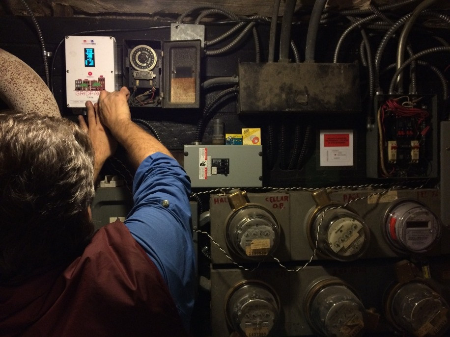 Installation of a TAG element in a prosumer household. Image: LO3 Energy