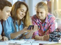 Calling all young STEM enthusiasts – the Digital Youth Council wants you
