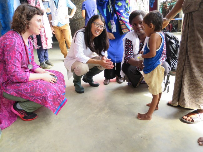 Rohingya crisis: MSF president Dr Joanne Liu visits emergency projects in Cox;s Bazar, Bangladesh. Image: Amelia Freelander/MSF