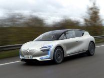 Renault gives us glimpse of the future with autonomous-ready concept