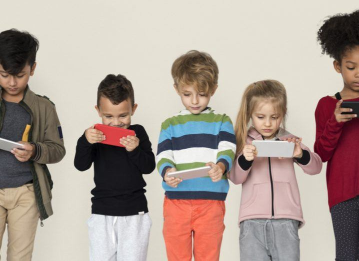 children on phones